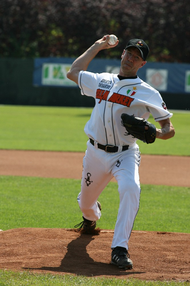 Roberto Cabalisti pitching for Rimini in 2007 European Cup