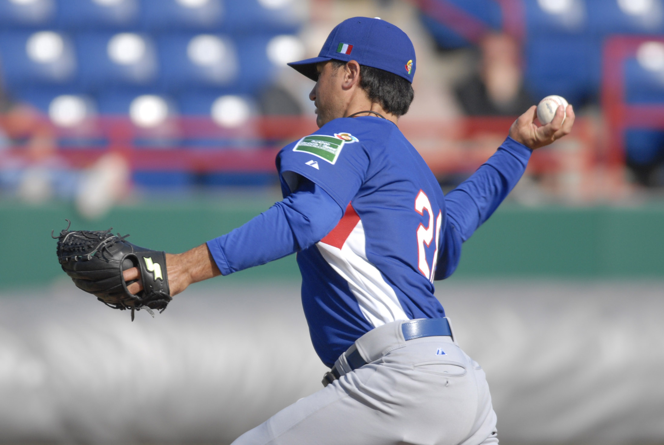 Cody Cillo pitching for Italy before WBC09