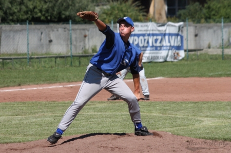 New York Yankees sign Polish LHP Artur Strzalka