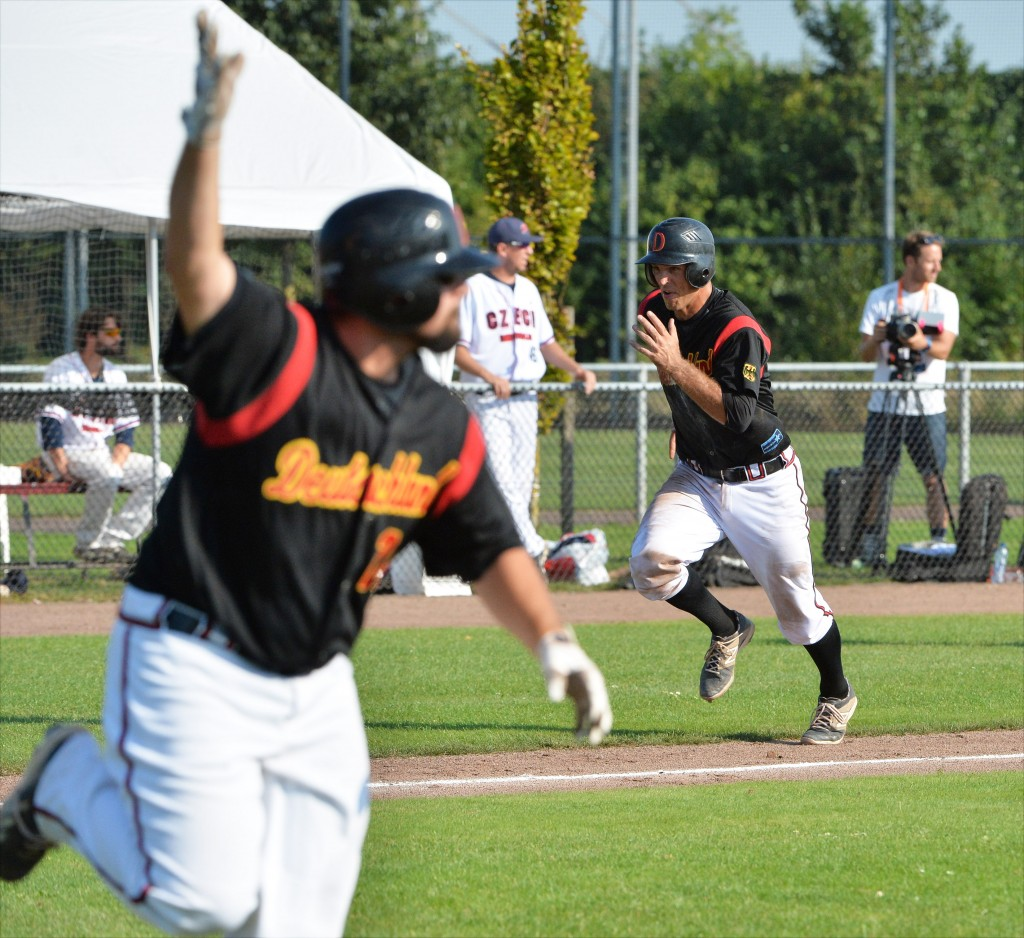 84985ec8b89ff ebc2016 Group A CZE-GER  9th Inning Comeback lifts Germany to win ...