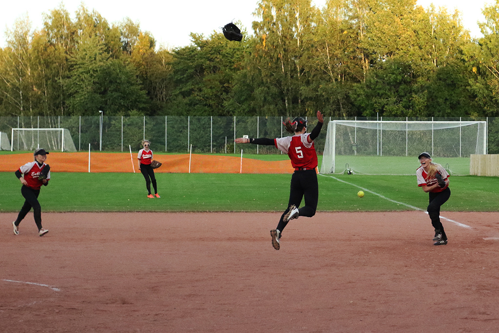 """European Championship Softball Fastpitch Women 2007""的图片搜索结果"